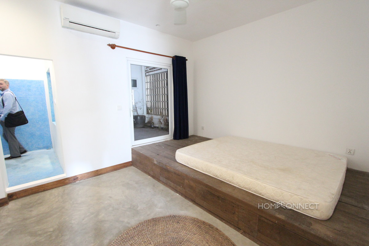 Huge Terrace 3 Bedroom Western Apartment in 7 Makara | Phnom Penh Real Estate