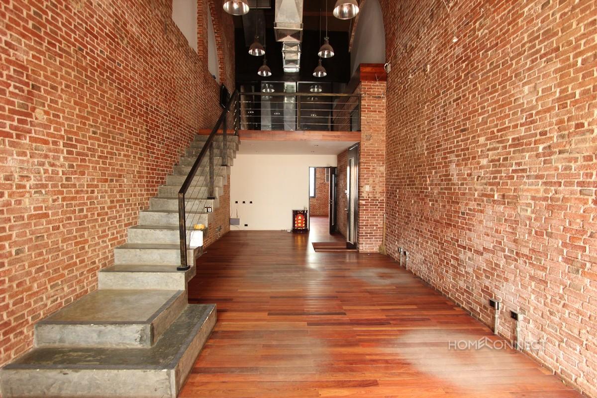 Western Loft 2 Bedroom Apartment in Daun Penh | Phnom Penh Real Estate