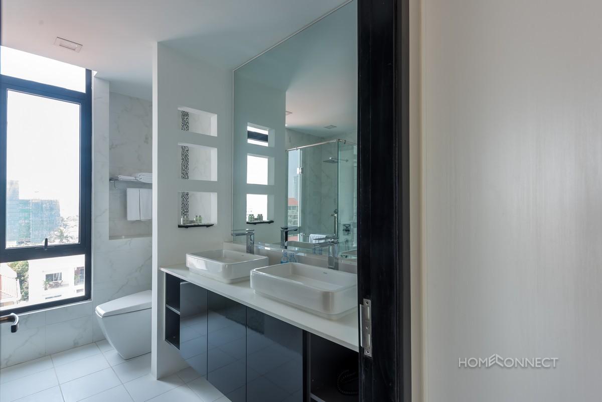 Amazing 4 bedroom penthouse in Daun Penh