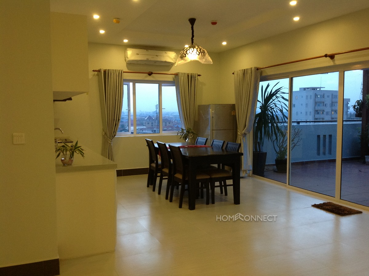 Large 3 bedroom penthouse close to Russian Market