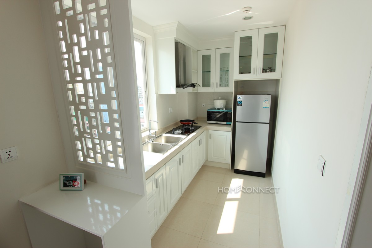 Luxurious 1 Bedroom Apartment in Toul Tom Poung