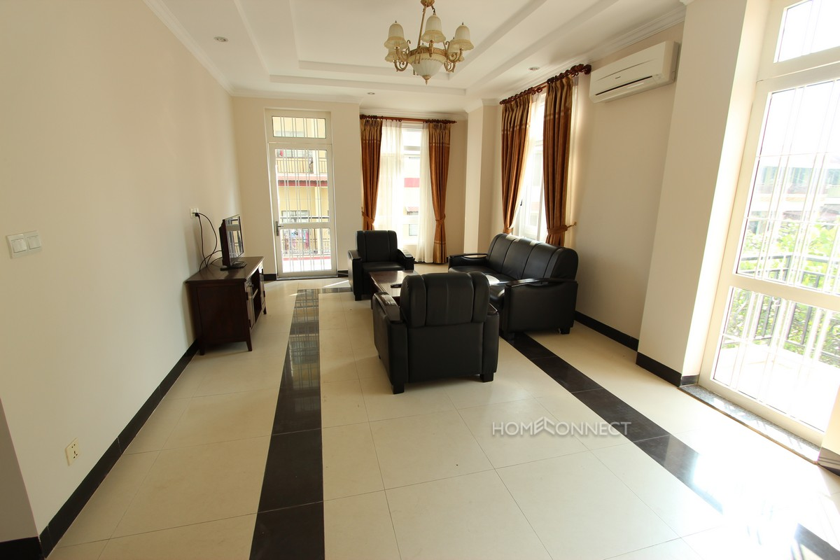 Modern 2 bedroom apartment in Tonle Bassac