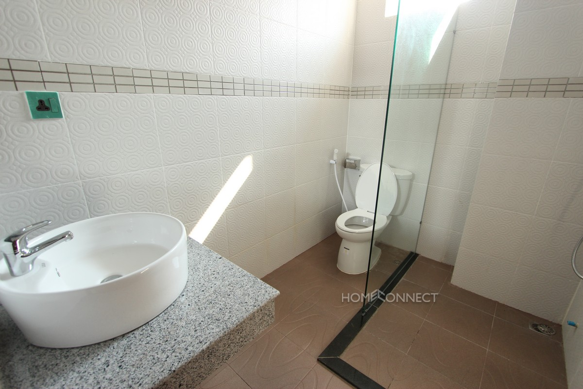 Attractive 2 apartment in Tonle Bassac