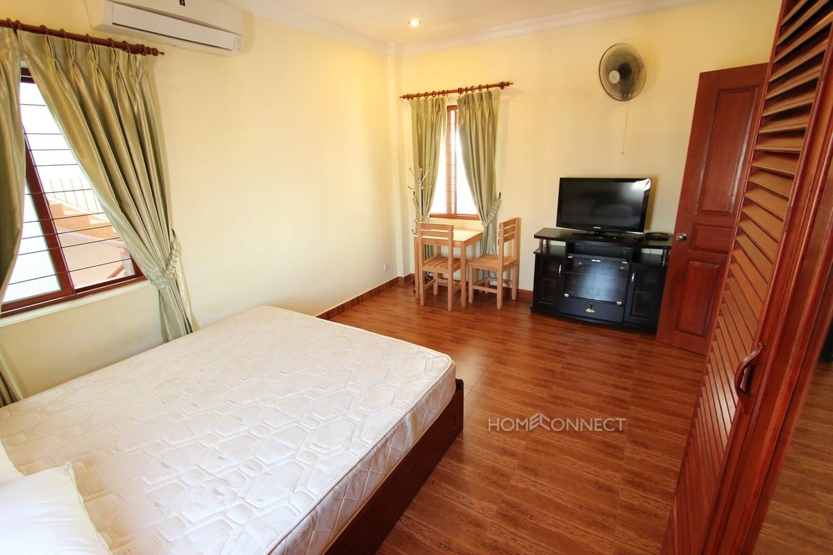 Riverside Studio Apartment in Daun Penh