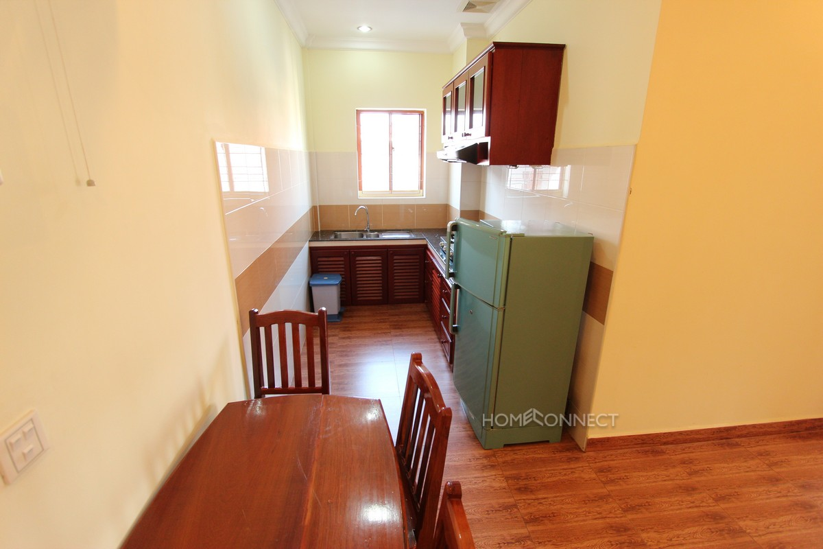 Riverside 2 Bedroom Apartment in Daun Penh