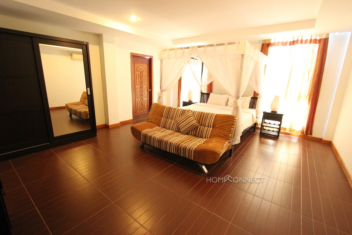 Fully serviced Penthouse close to Riverside