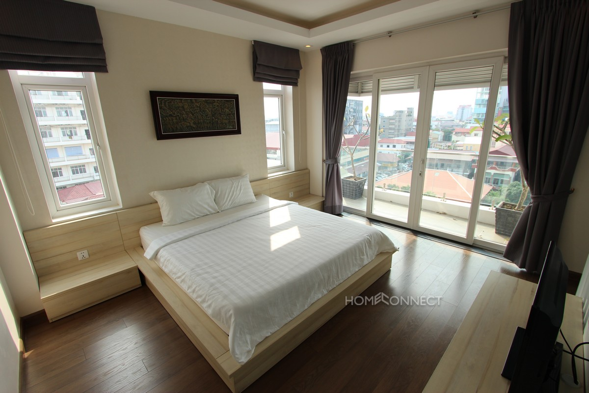 Fantastic 2 Bedroom Penthouse in BKK3