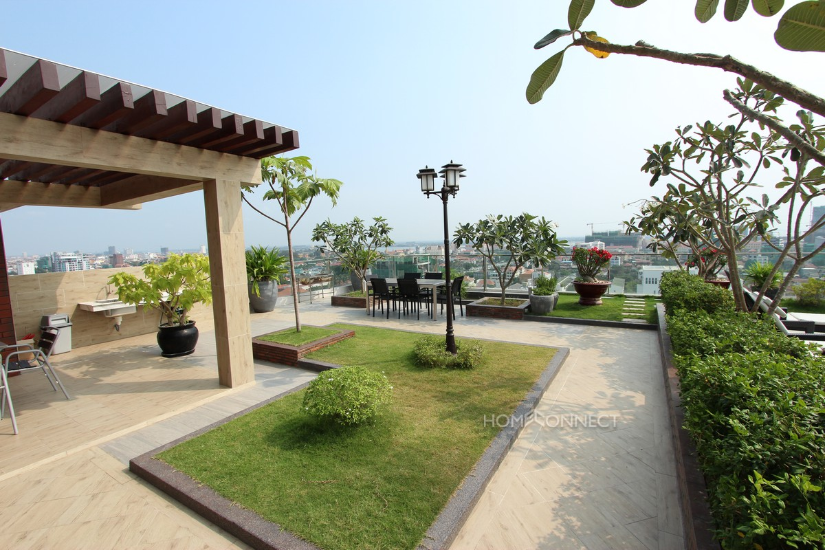 Spacious 3 Bedroom Modern Apartment in BKK1