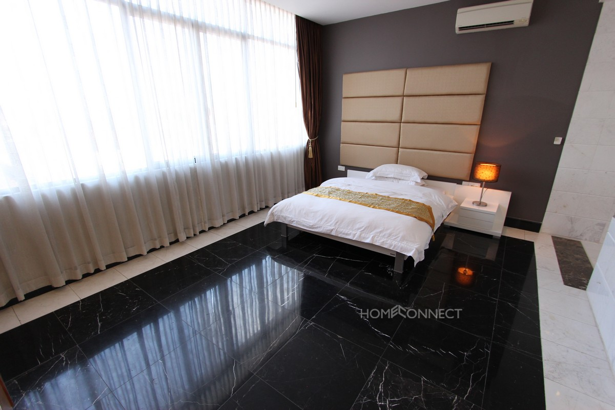 Stylish 2 Bedroom Apartment in Daun Penh