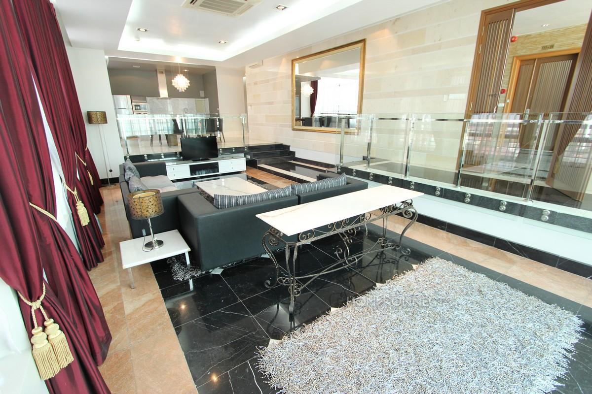 Fabulous 3 Bedroom Apartment in Daun Penh