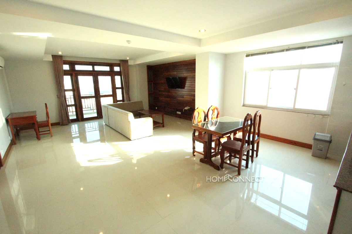 Large 2 Bedroom Apartment in Central Phnom Penh