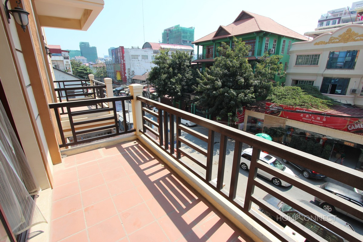 Large 1 bedroom apartment in BKK1