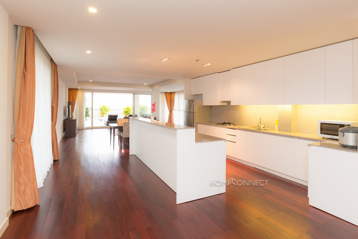 Luxury 3 bedroom penthouse in Wat Phnom