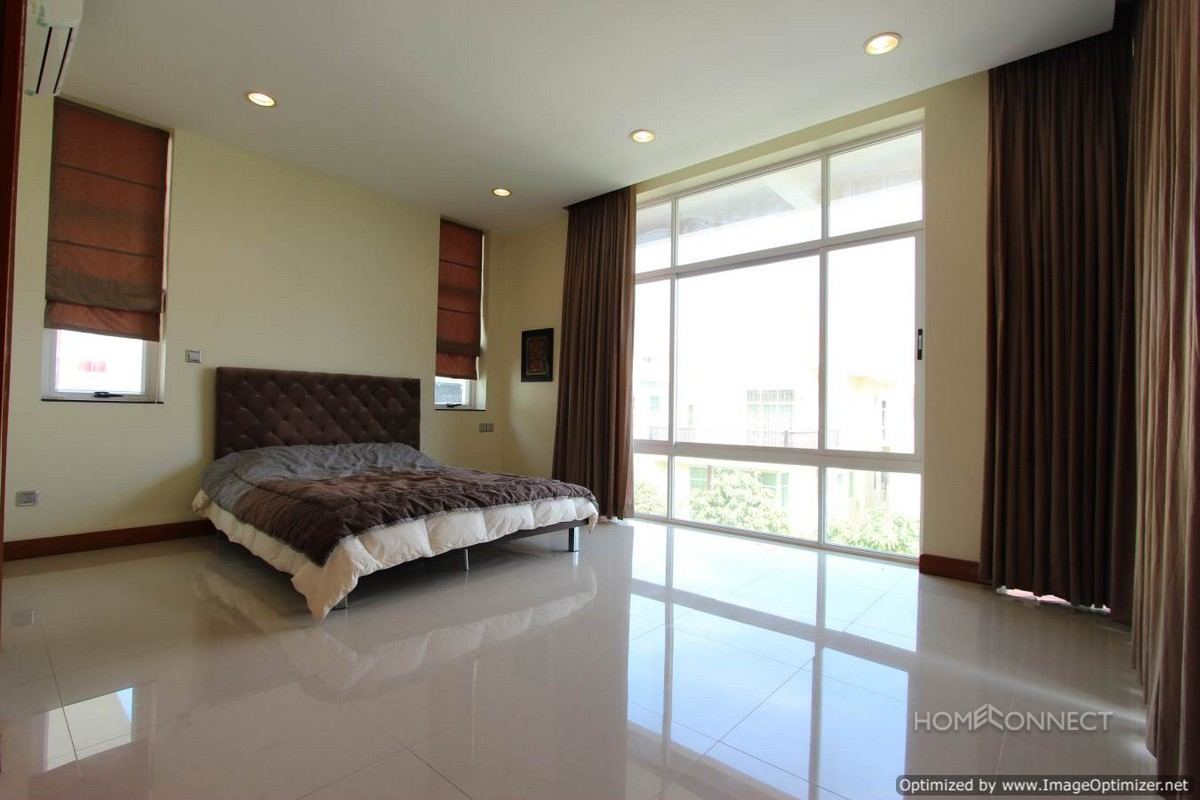 Luxurious 6 bedroom villa in Tonle Bassac | Phnom Penh