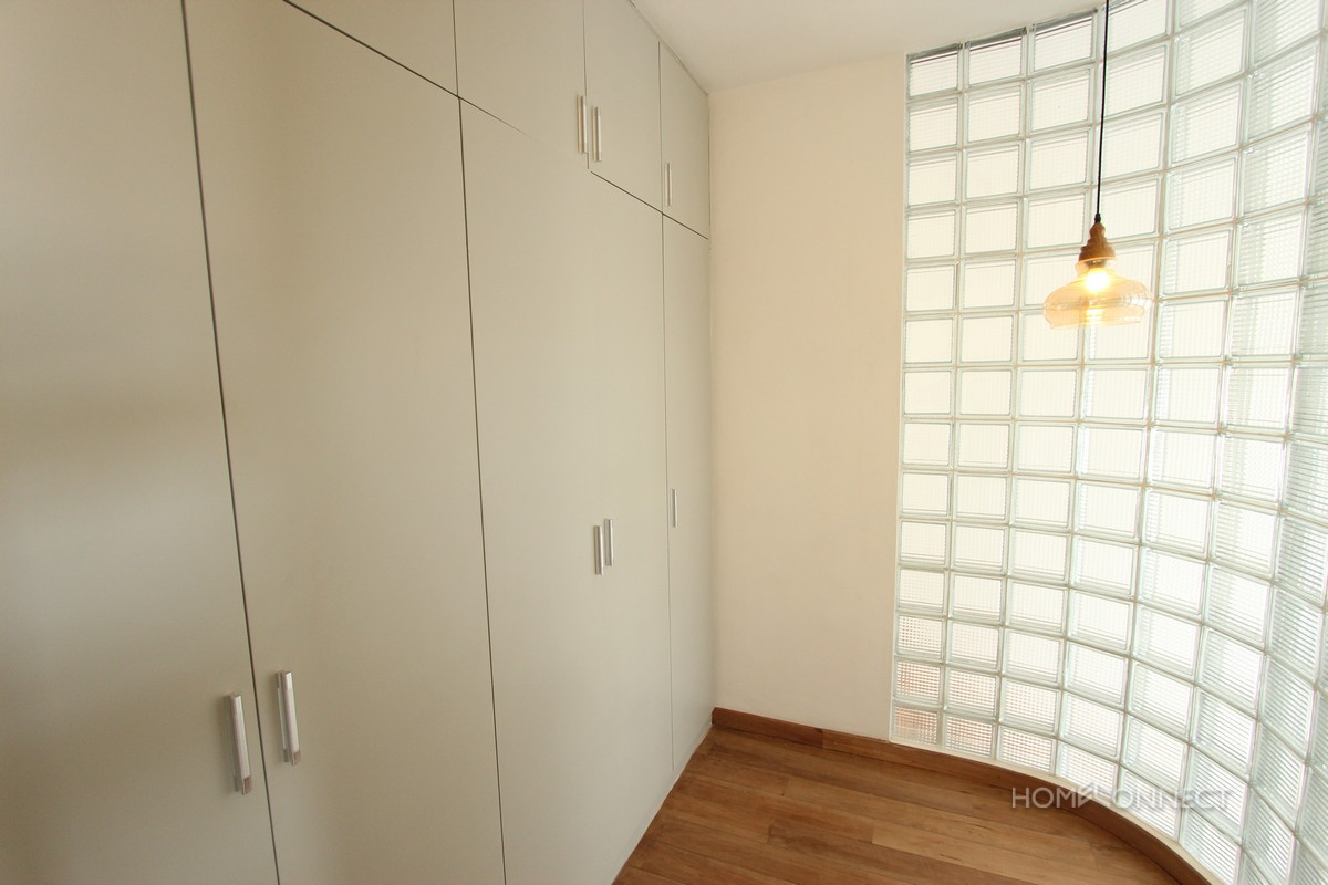 Modern 3 bedroom apartment close to Riverside | Phnom Penh
