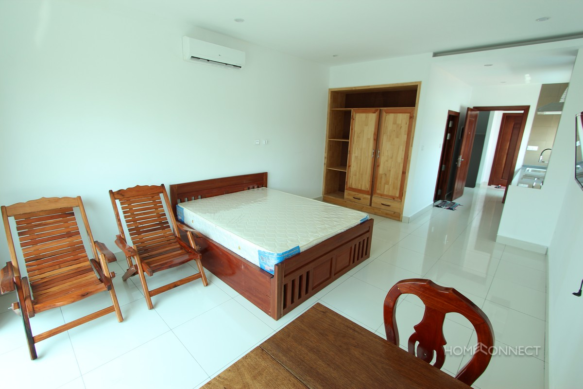 Newly Constructed Studio Apartment Near the Russian Market