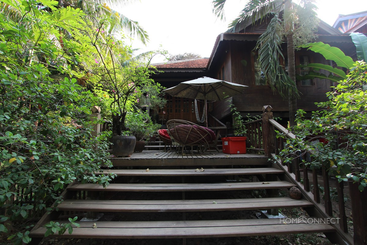Traditional 2 bedroom Khmer villa in Chroy Chungva