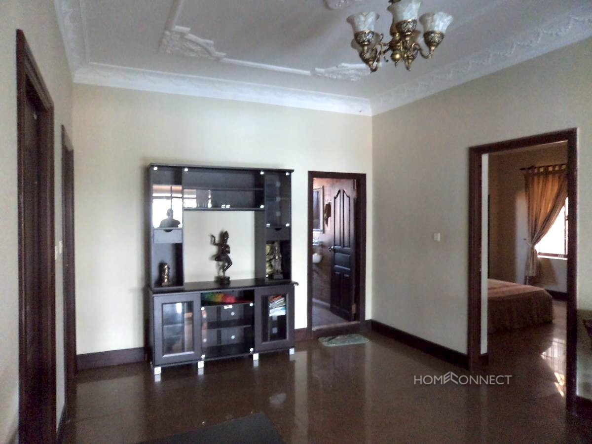 Comfortable 3 Bedroom Apartment in Boeung Trabek | Phnom Penh