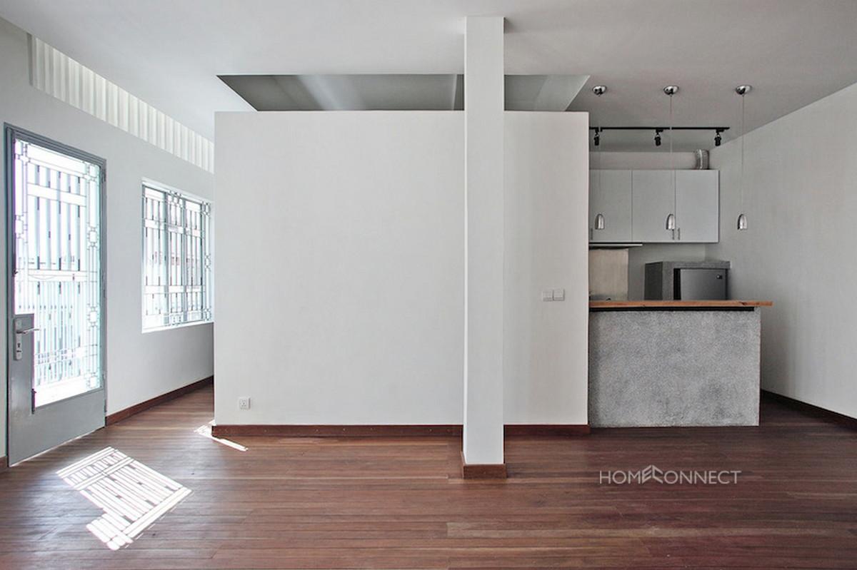 Newly Renovated Modern Apartment Near Riverside | Phnom Penh