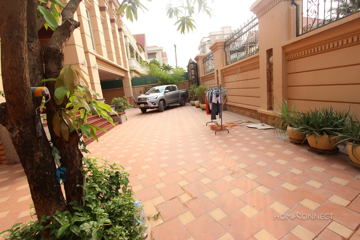 Villa for Sale in the Western District of Toul Kork | Phnom Penh