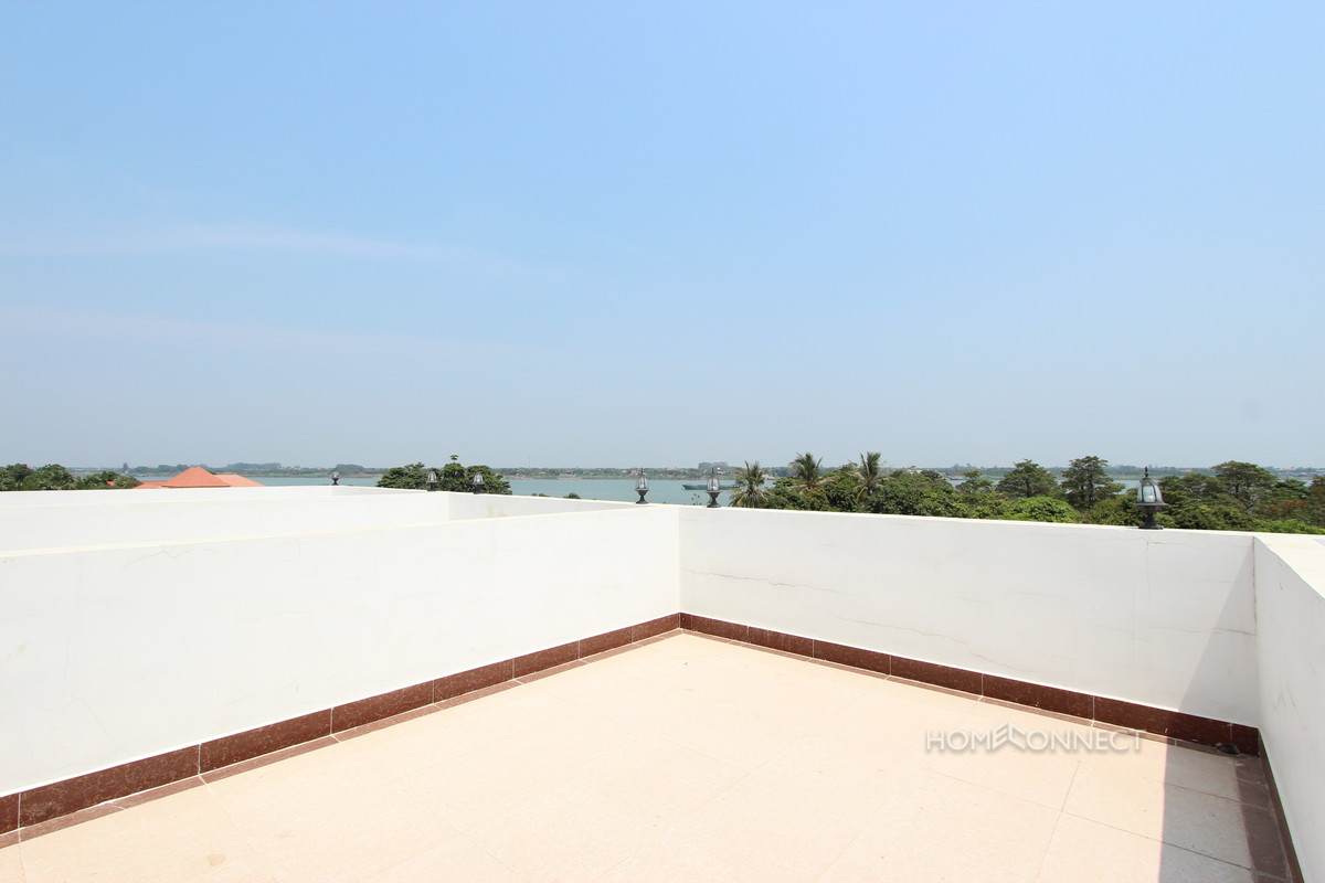 Brand New 5 Bedroom Townhouse in Chroy Chongva | Phnom Penh