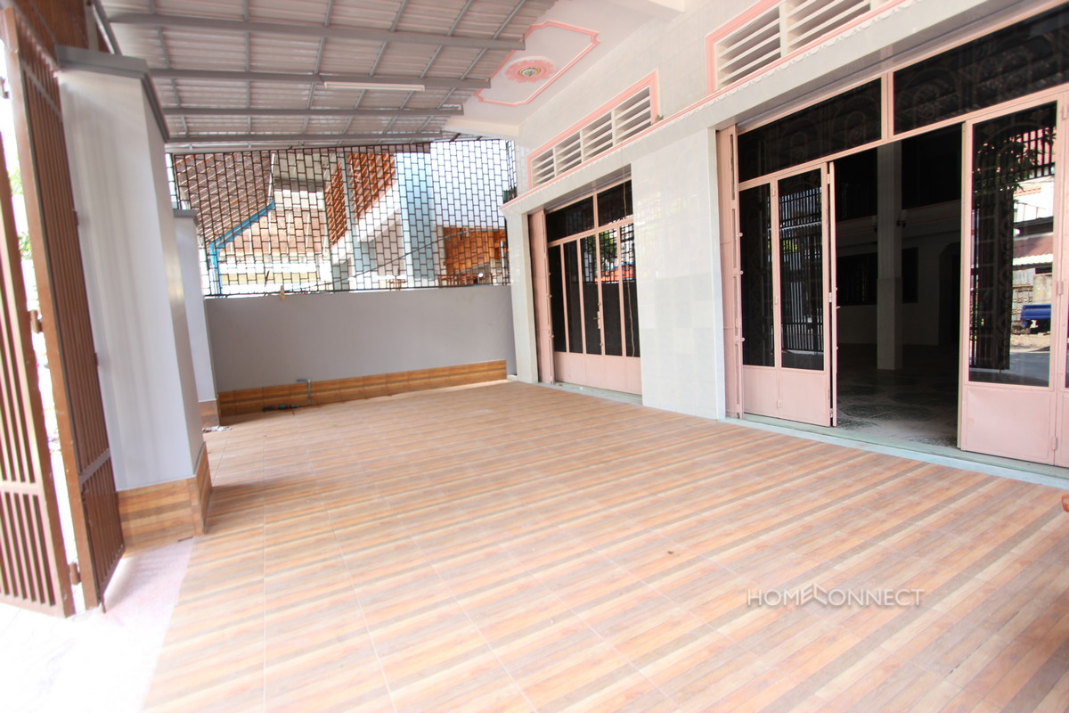 Commercial Building in the Russian Market Area | Phnom Penh