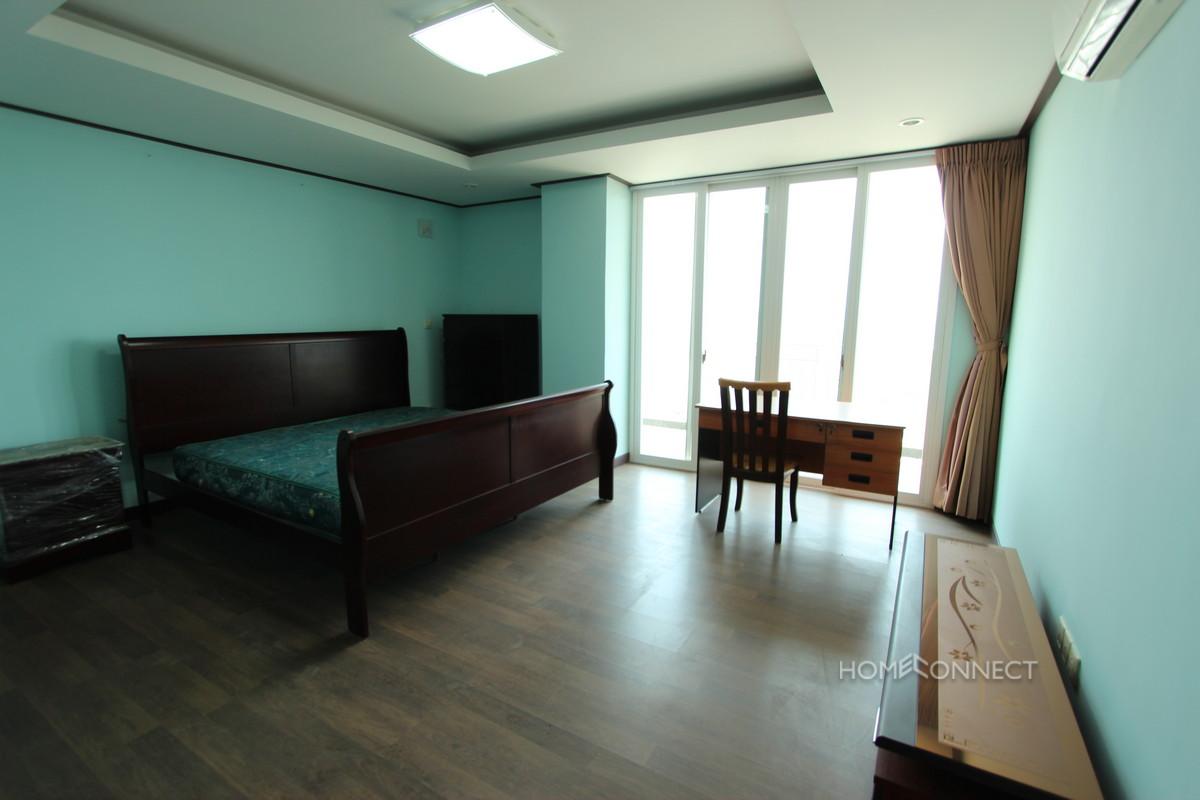 Large Penthouse Condo Apartment in Toul Kork | Phnom Penh