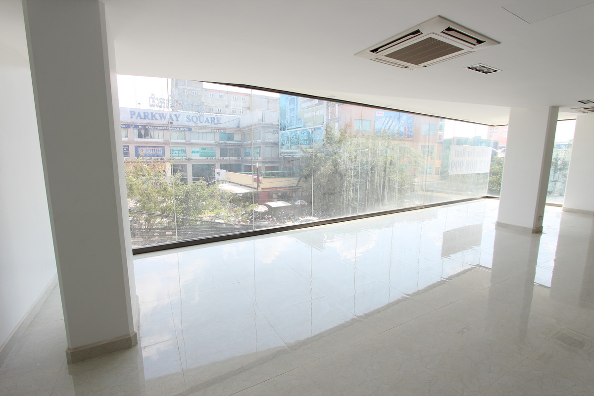 Large Office Space On A Major Boulevard Near Russian Market | Phnom Penh