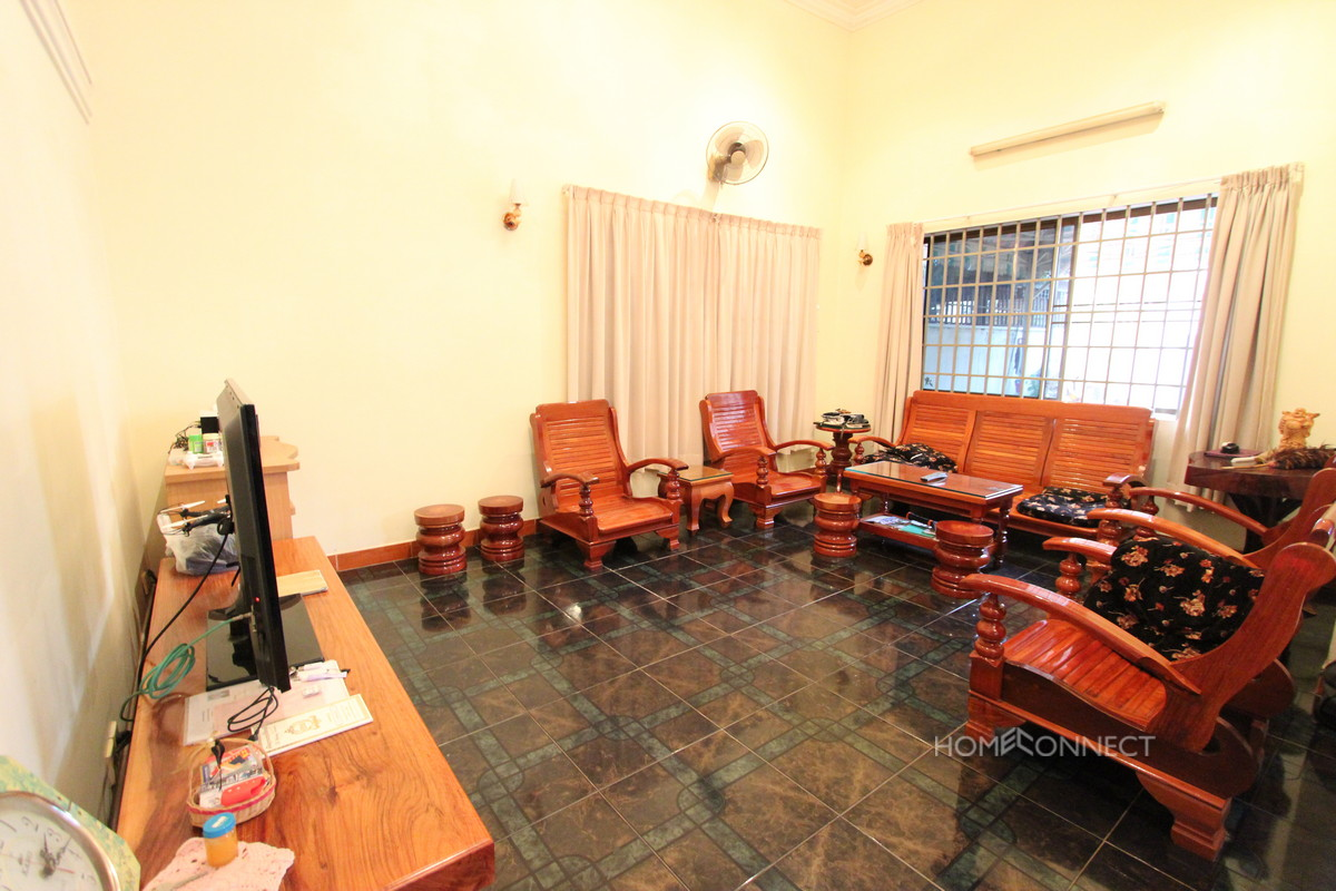 Large and Spacious 5 Bedroom Villa in Tonle Bassac | Phnom Penh