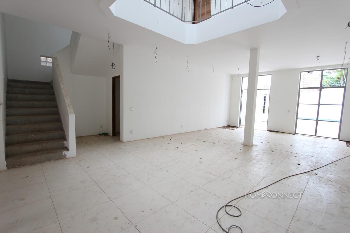 Renovated 6 Bedroom Villa in Tonle Bassac | Phnom Penh