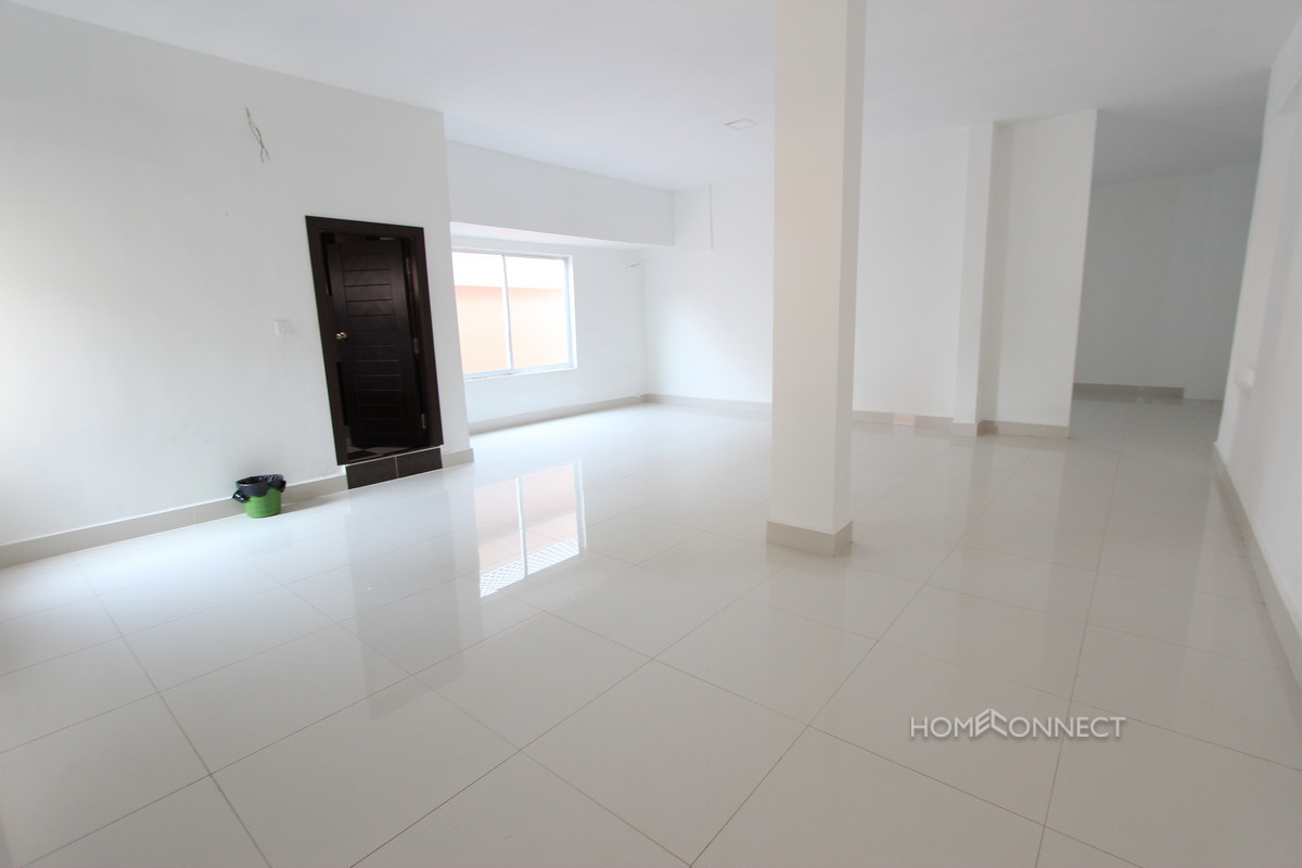 Newly Constructed Office Space in Daun Penh   Phnom Penh