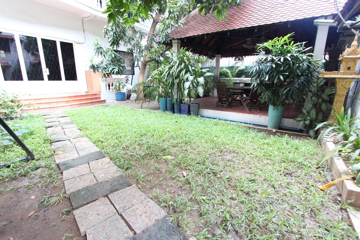 Pleasant 3 Bedroom Townhouse in Tonle Bassac | Phnom Penh Real Estate