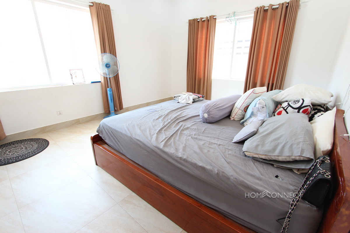 Spacious 2 Bedroom Apartment Close to Independence Monument | Phnom Penh