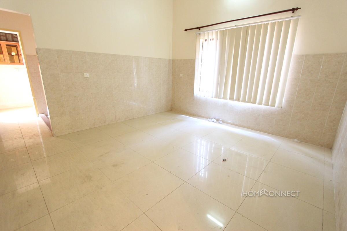 Contemporary 4 Bedroom Villa Near the Russian Market | Phnom Penh Real Estate