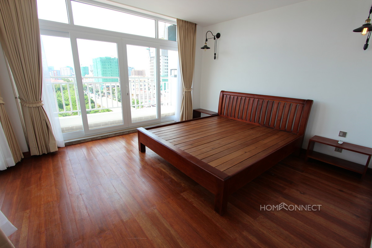 Modern Western 1 Bedroom Penthouse In BKK1 | Phnom Penh Real Estate