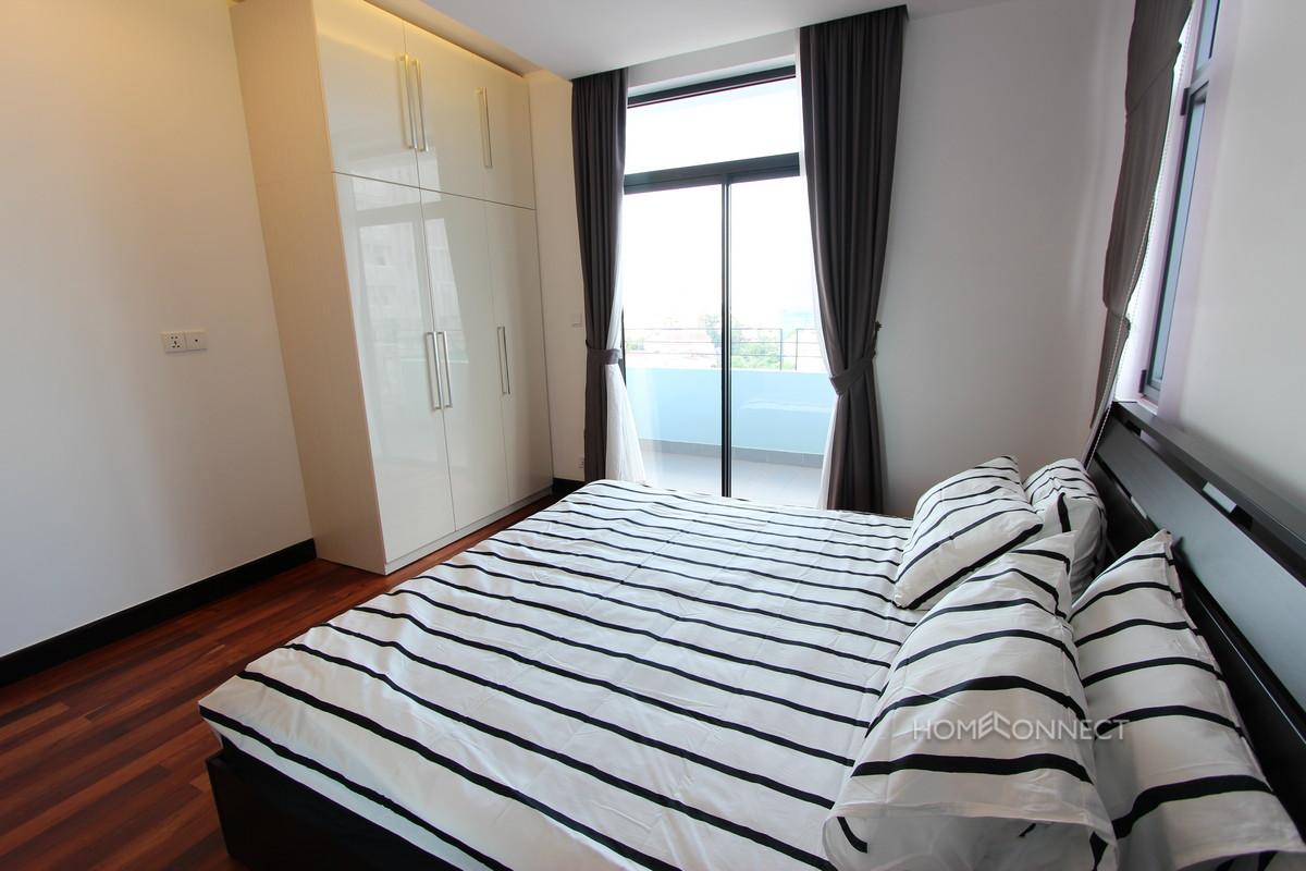 Lovely 2 Bedroom Apartment in Wat Phnom | Phnom Penh Real Estate