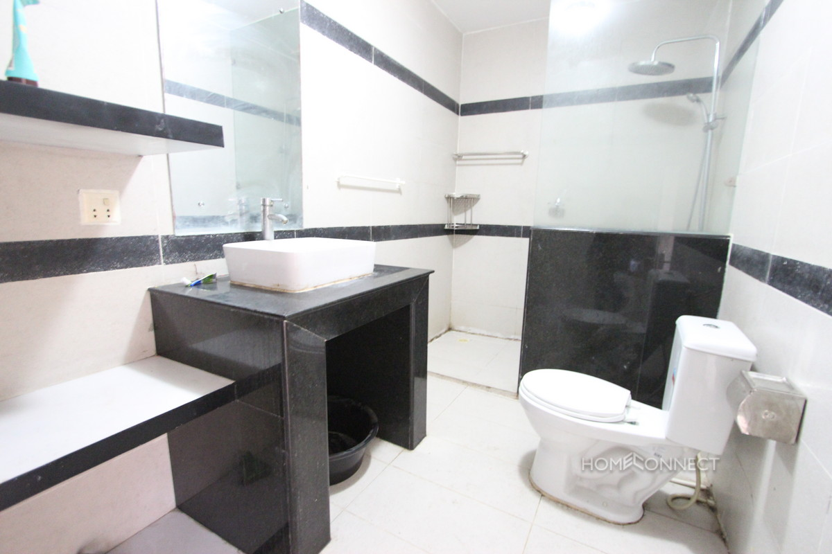 Three Bedroom Apartment Close to the Central Market | Phnom Penh Real Estate