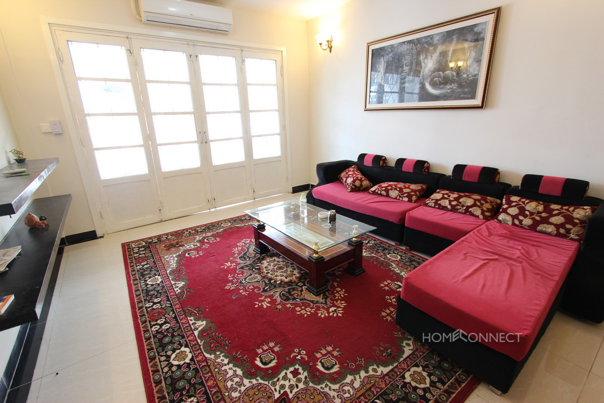 Delightful 2 Bedroom Apartment Near the Central Market   Phnom Penh Real Estate