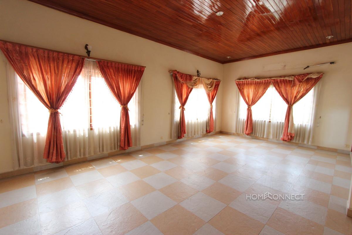 Spacious 5 Bedroom Villa Near Northbridge | Phnom Penh Real Estate