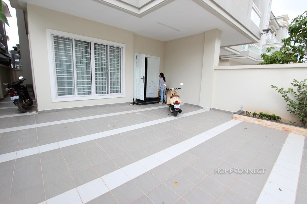Large Family Sized 4 Bedroom Villa Near Northbridge School | Phnom Penh Real Estate