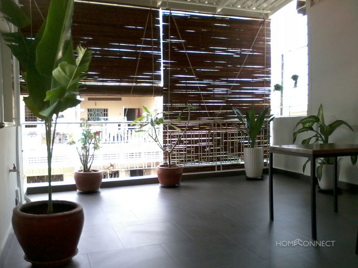 Large Terrace 1 Bedroom Apartment Near Central Market | Phnom Penh Real Estate