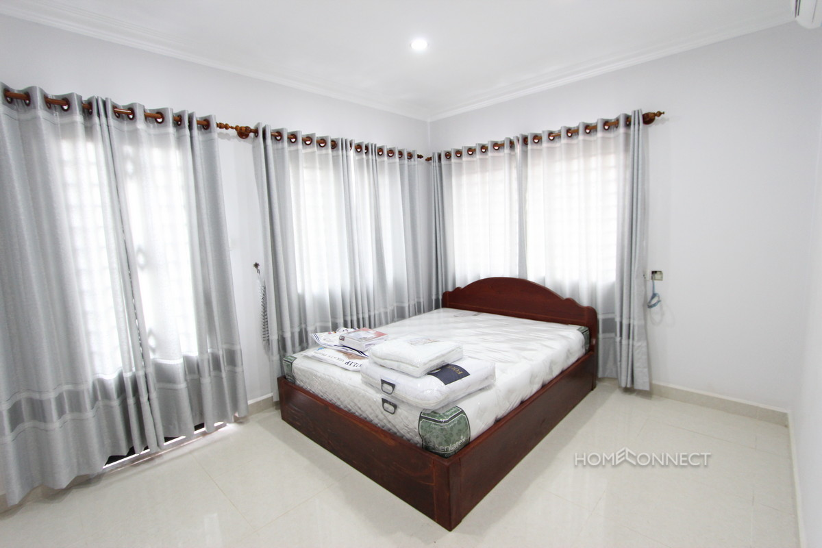 Convenient 2 Bedroom Apartment in Tonle Bassac | Phnom Penh Real Estate