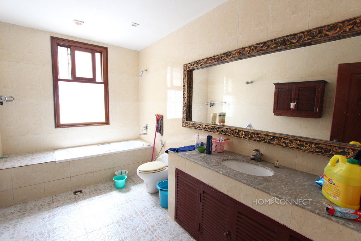 3 Bedroom Townhouse for Sale in Tonle Bassac | Phnom Penh Real Estate