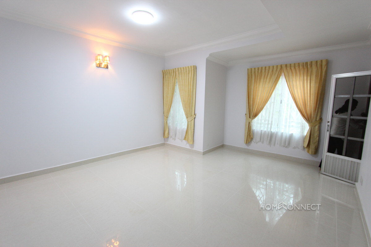 Townhouse With 4 Bedrooms For Rent Beside Aeon Mall | Phnom Penh Real Estate