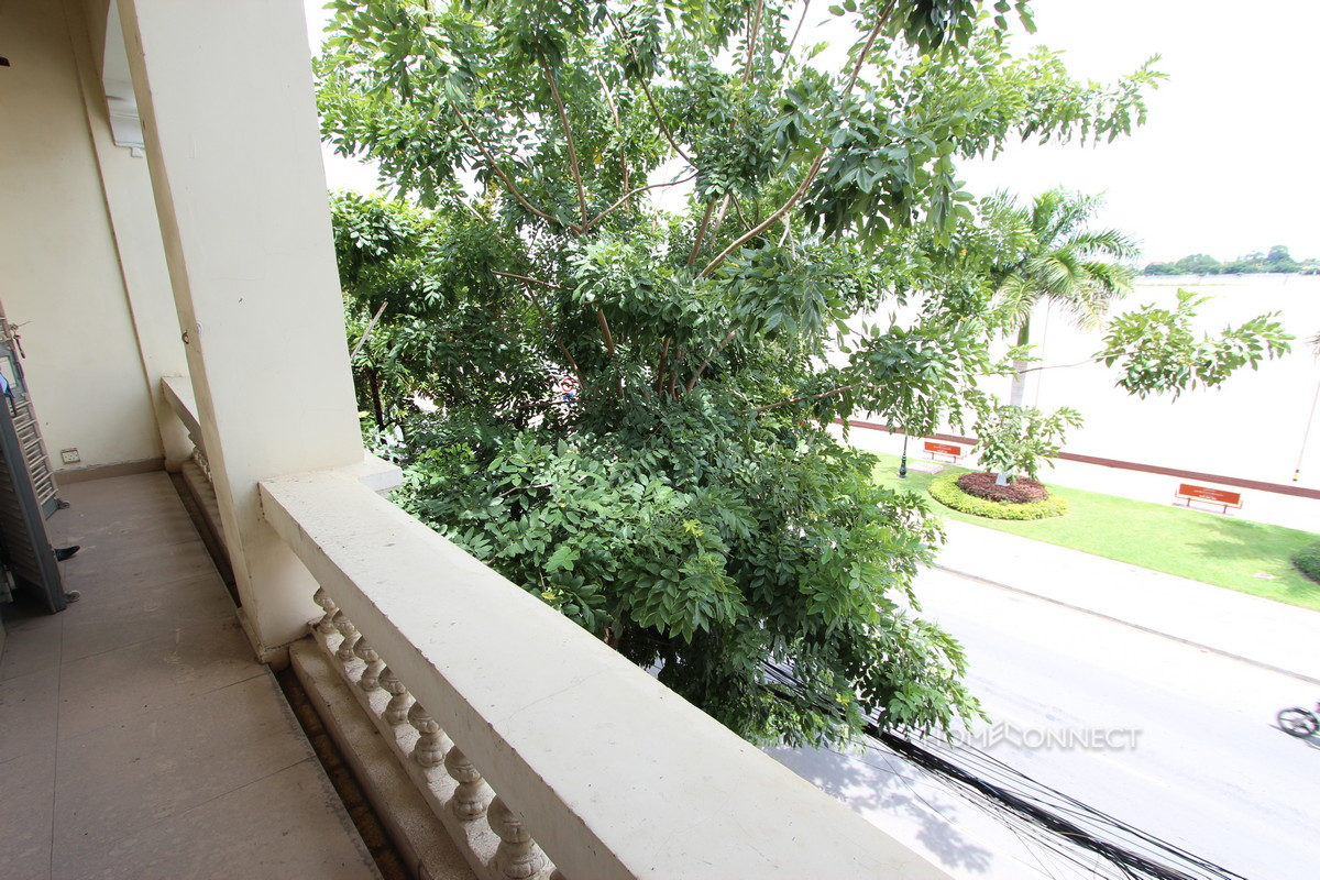 Fantastic Riverside Apartment in Daun Penh | Phnom Penh Real Estate