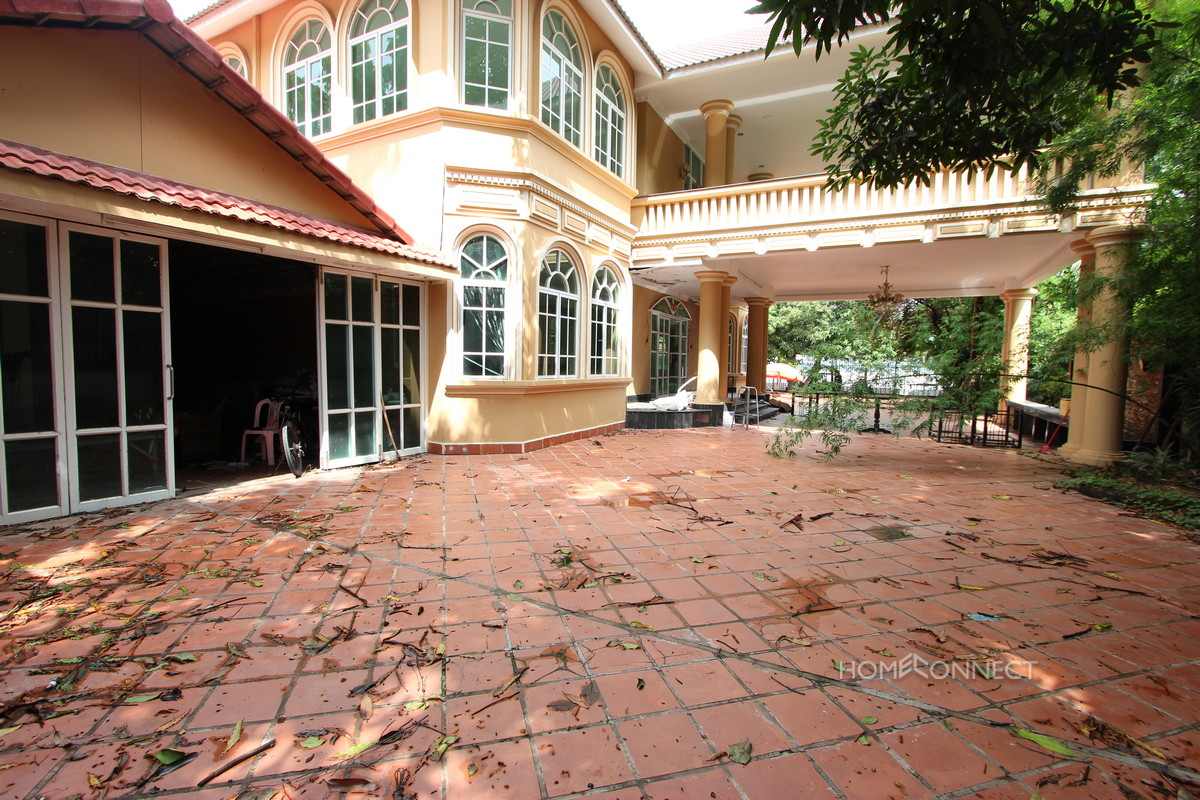 Large Riverside Villa in Chroy Chongva | Phnom Penh Real Estate