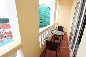 Striking 2 Bedroom Apartment Near the Royal Palace   Phnom Penh Real Estate