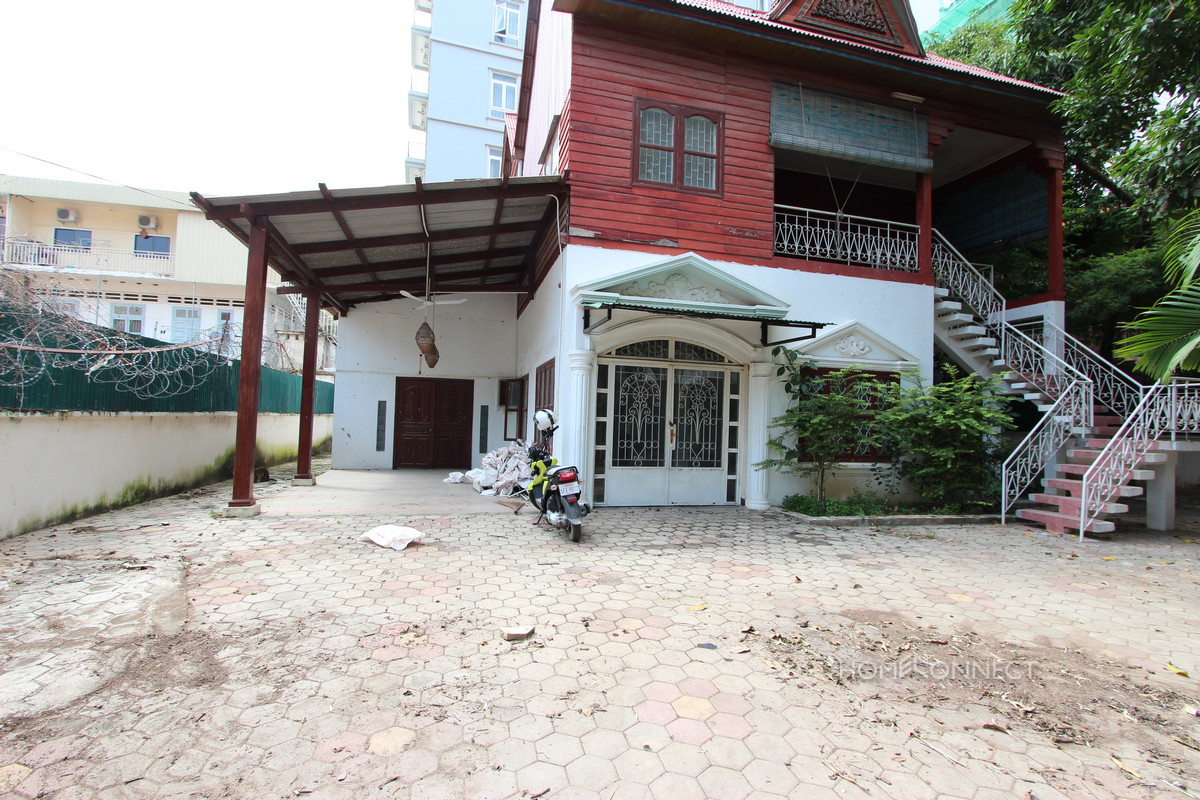 Central Quiet 3 Bedroom Villa in Tonle Bassac | Phnom Penh Real Estate