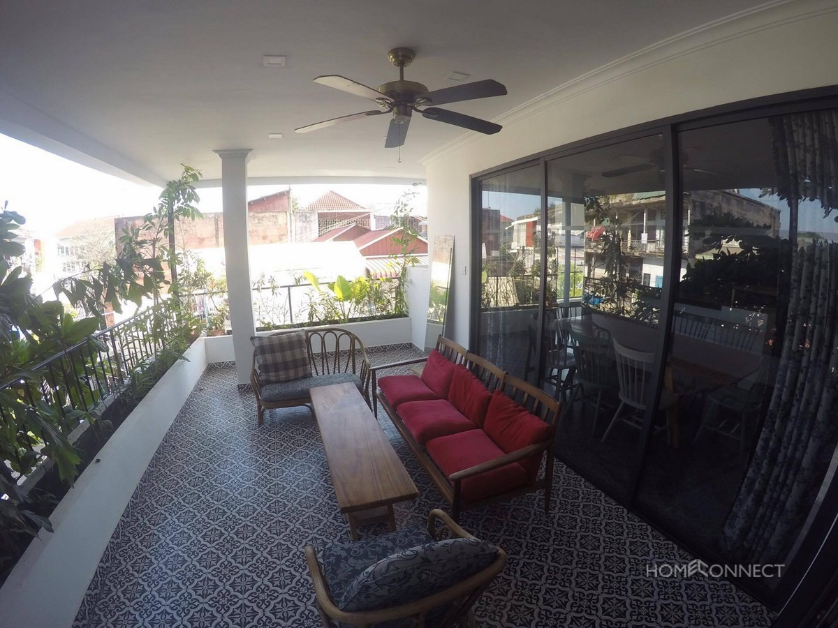Beautiful 3 Bedroom Apartment For Rent Beside The Royal Palace | Phnom Penh Real Estate