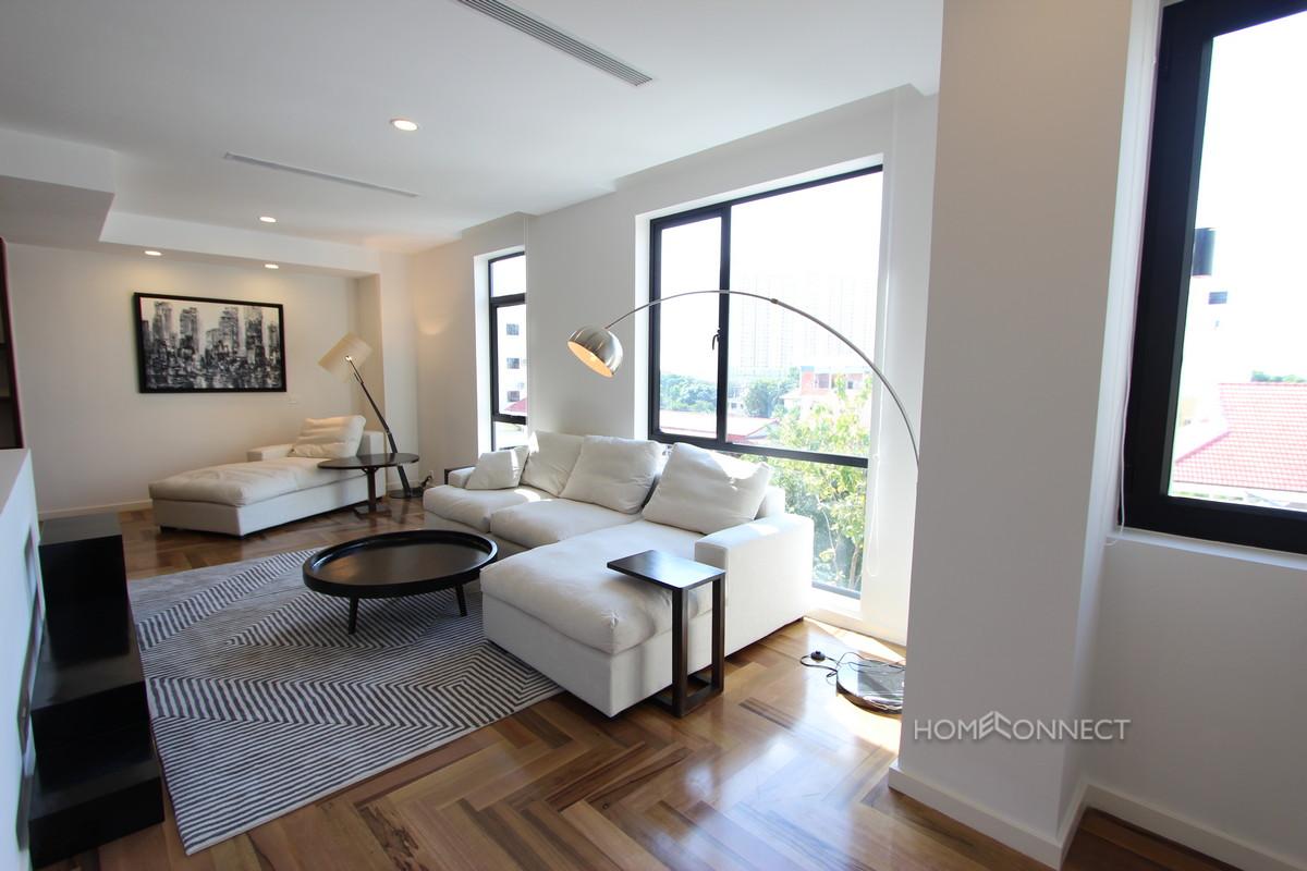 Luxurious 2 Bedroom Condo in Tonle Bassac | Phnom Penh Real Estate